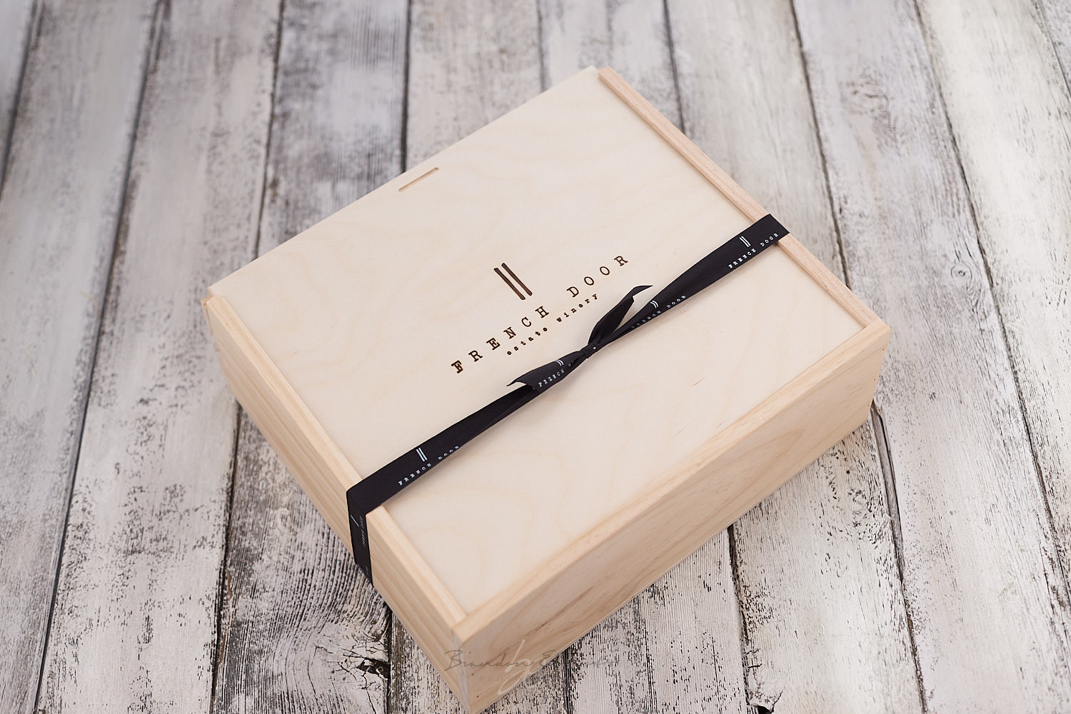French Door Winery gift box by osoyoos photographer brandon elliot